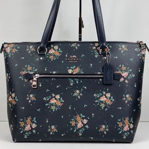Coach Bags - NWT Coach Gallery Tote Rose Bouquet Print